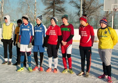 Футбол на снегу 15