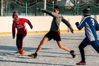 Футбол на снегу 10