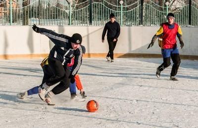 Футбол на снегу 25