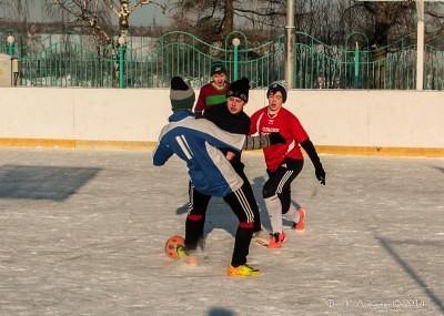 Футбол на снегу 36