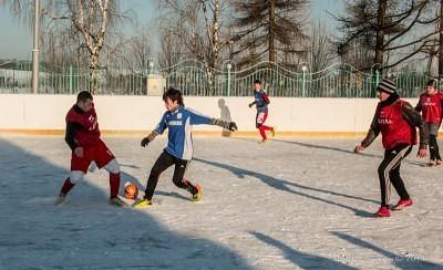 Футбол на снегу 46