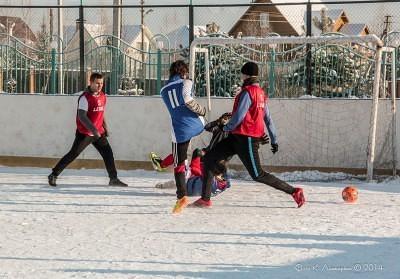 Футбол на снегу 50