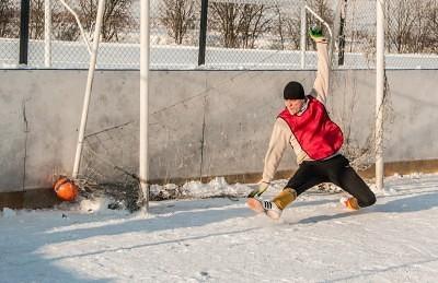Футбол на снегу 55