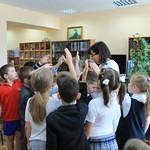В  библиотеку, в гости к книжкам