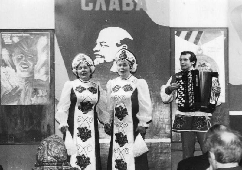 Солистки Хора Анна Бабич и Александра Лаврушина/ Аккомпаниатор Юрий Пятаков