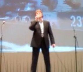 Поёт Дмитрий Долгополов