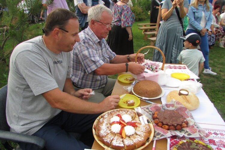 Фоторепортаж. День семьи, любви и верности в селе Аксиньино 15