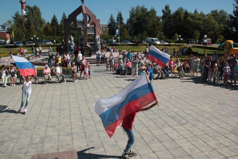 22 августа - День Государственного флага России 7