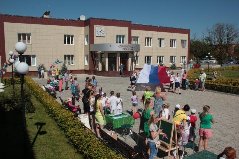 22 августа - День Государственного флага России 10