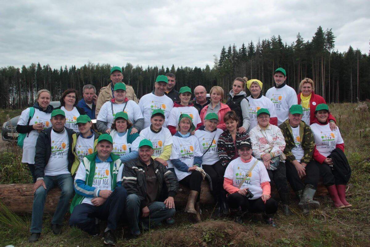 Администрация СП Ершовское в полном составе приняла участие в посадке леса
