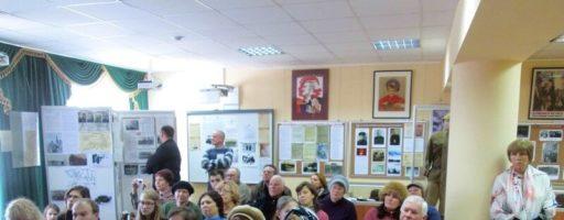 Участники автопробега в музейной экспозиции села Ершово