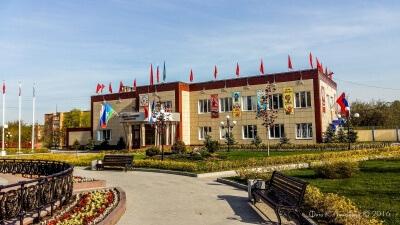 Утро в центре села Ершово накануне Дня Победы