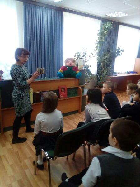 Первоклассники села Ершово пришли в гости к книжкам