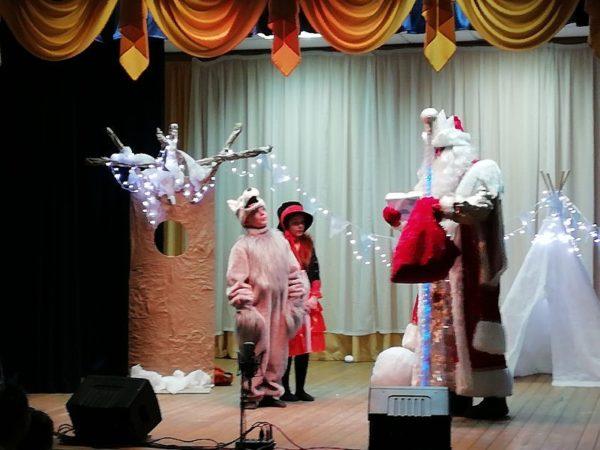 Новогоднее представление для детей в квартале Наташино